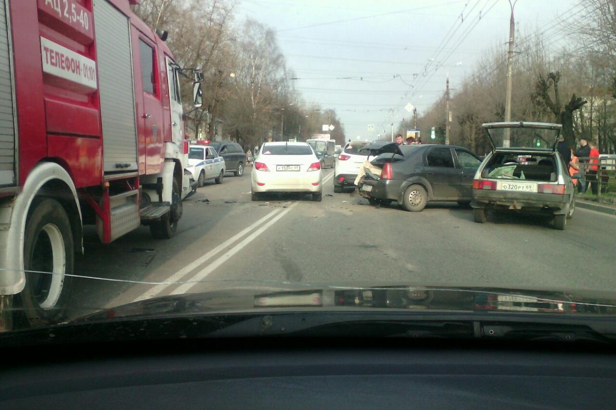 ВТвери нетрезвый шофёр спровоцировал трагедию из 5-ти машин