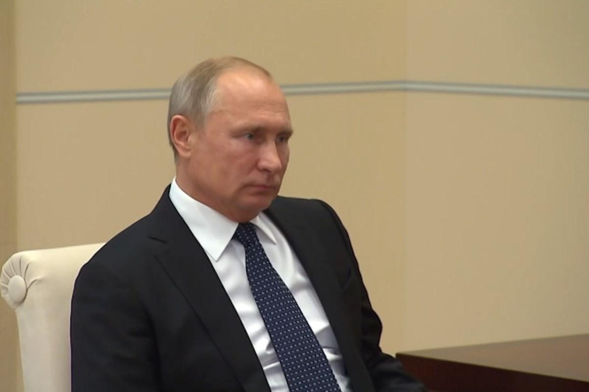 Владимир Путин провел рабочую встречу с губернатором Игорем Руденей
