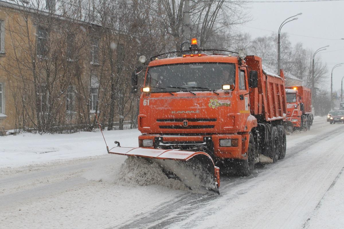 Администрация Твери: расчистка улиц от снега ведется в круглосуточном режиме