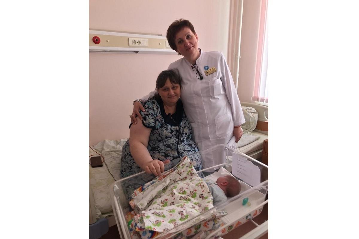 В тверском Перинатальном центре спасли мать девятерых детей и новорожденную девочку